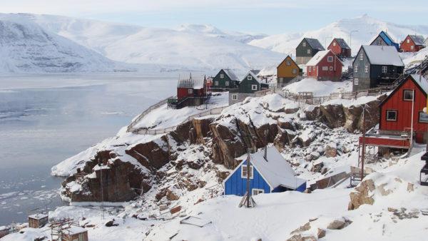 Greenland village - Photo by Myriam Dielemans