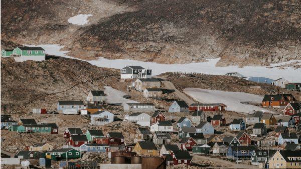 Greenlandic village - Photo by Annie Spratt