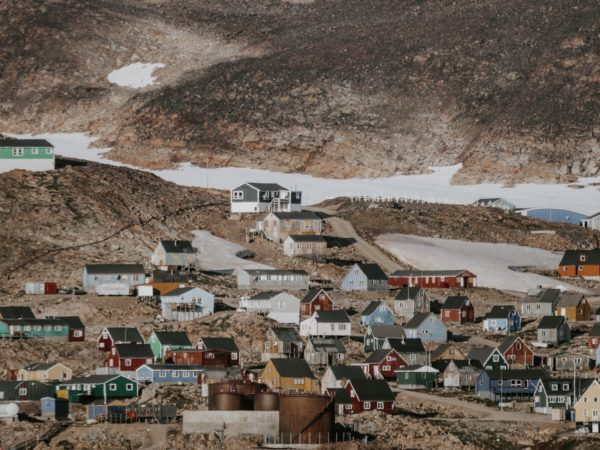 Greenlandic village - Picture by Annie Spratt